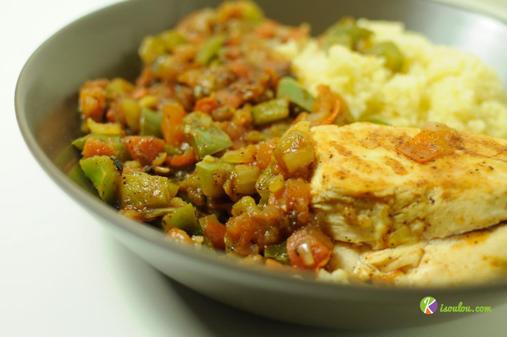 Régalez-vous avec notre recette de couscous au poulet et à la poêlée de légumes sauce soja