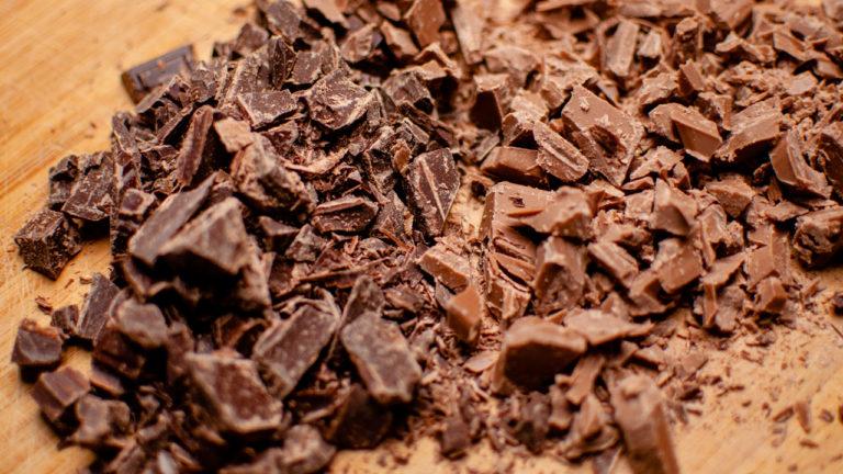 Chocolat emietté - Bûche de Noël Chocolat Noisettes Maison